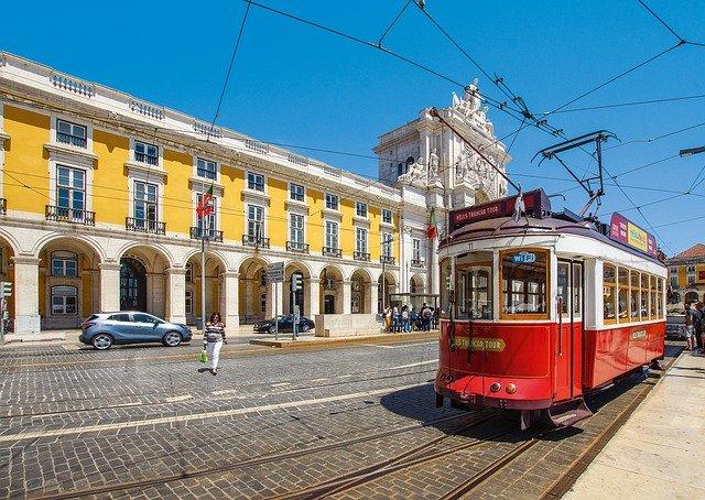 Le Portugal contre l'Espagne : Quel pays convient le mieux à votre voyage ?